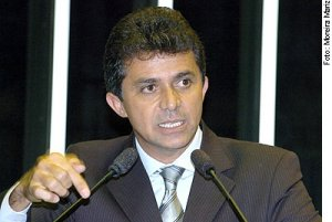 EXPEDITO JÚNIOR DENUNCIA OPERAÇÃO ARCO DE FOGO E PEDE CAUTELA A LULA CONTRA RONDÔNIA