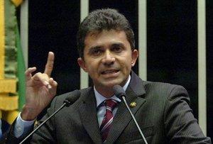 Expedito Júnior rebate críticas contra governador Ivo Cassol