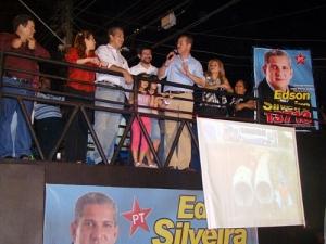 Silveira inaugura comitê de campanha; prefeito prestigia candidato