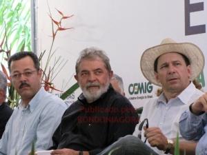 LULA EM RONDÔNIA: Presidente fica menos de 30 minutos em Santo Antônio, cancela almoço e posa para fotos