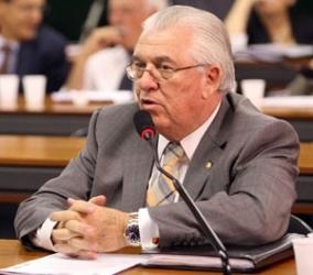 Governo Federal debocha dos municípios, afirma Moreira Mendes