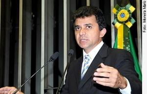Expedito Júnior diz que cerca de 300 mil foram às ruas apoiar Cassol