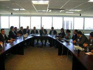 Expedito Júnior leva 16 prefeitos ao Banco do Brasil em Brasília