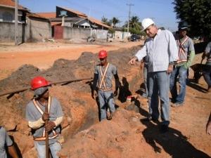 No recesso da Assembléia, Jesualdo vistoria obras em Ji-Paraná