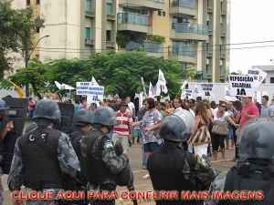 Confira mais imagens sobre a ação policial na greve de professores em Rondônia