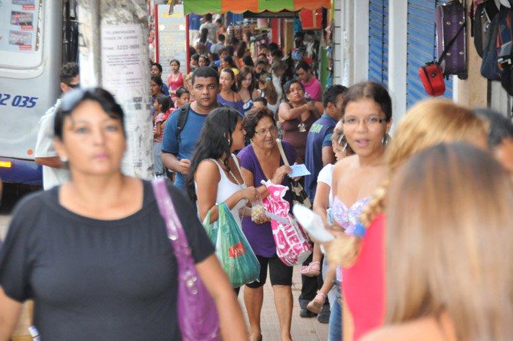 Lojas ficarão abertas até 22 horas na véspera do natal