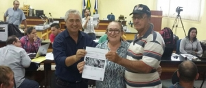Autoridades e produtores agradecem a deputada Lúcia Tereza pela realização do mutirão do CAR