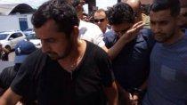 VÍDEO: Delegado assassino sai algemado da corregedoria
