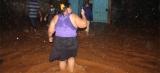 Igarapé transborda e alaga várias casas durante forte chuva; Confira imagens
