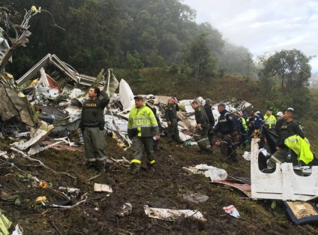 Confira vídeo e fotos: Jornal colombiano chega ao local do acidente