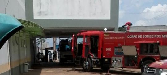 Hospital Infantil Cosme Damião tem princípio de incêndio; crianças são levadas ao HB