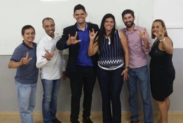 Acadêmico surdo do curso de Pedagogia da Uneouro tira nota máxima em TCC