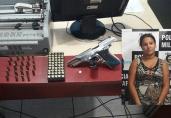 Mulher é presa na capital com pistola da PM e munição que levaria para preso em Ariquemes