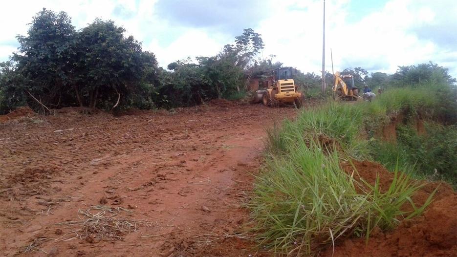 Morador cede área e prefeitura começa abertura de novo acesso ao Ramal Maravilha