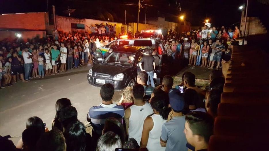Velório de Chico Pernambuco acontece na Câmara; enterro é nesta segunda