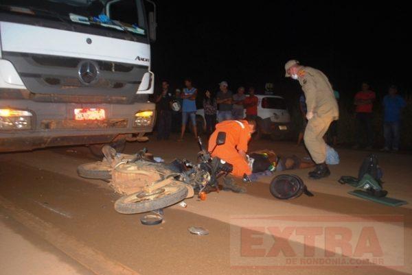 Criança de 1 ano morre e pais ficam feridos em acidente na BR-364