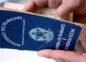 Manicure e vendedor de serviços estão entre as 33 vagas disponíveis no Sine da capital