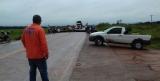 Moradores bloqueiam a BR-364 em Vista Alegre