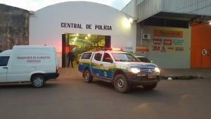 Valentão é preso após tentar matar a ex-mulher e agredir policial