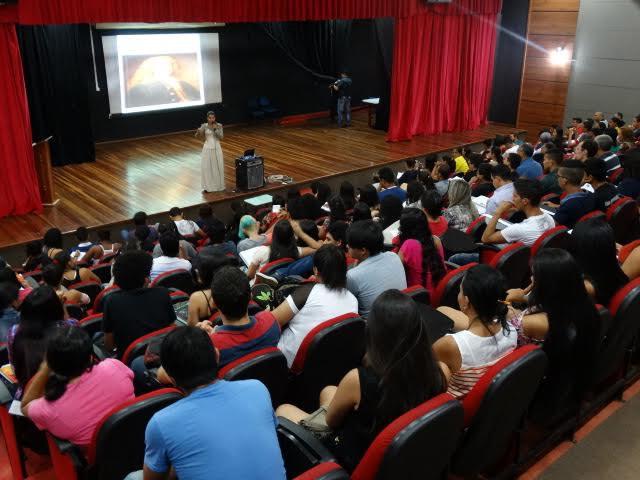 """""""O Julgamento de Tiradentes"""" é tema de aula do pré-Enem municipal no Teatro Banzeiros"""
