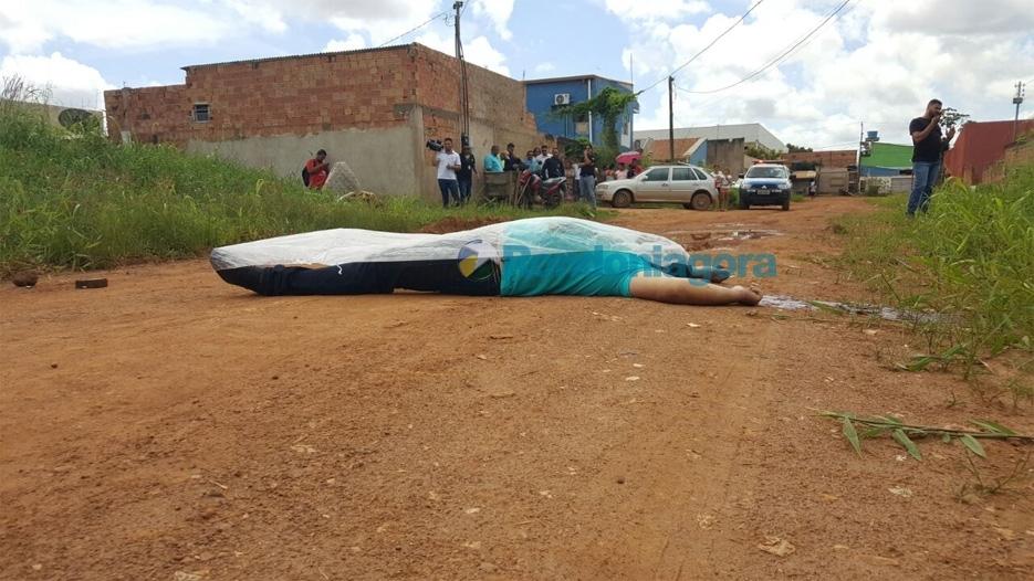 Homem é executado com vários tiros de pistola na Zona Sul da capital