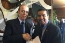 Garçon anuncia ordem bancária de R$ 1 milhão para o Hospital do Câncer