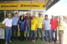 Na Rondônia Rural Show, produtor financia no Banco do Brasil por celular uma colheitadeira pelo Investimento Agro Digital