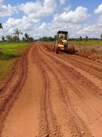 Secretaria de Agricultura intensifica recuperação de estradas rurais na capital