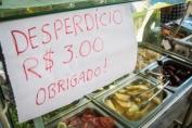 Procon Rondônia alerta que é ilegal estabelecimentos cobrarem por desperdício de alimentos
