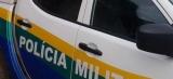 Casal é agredido durante tentativa de roubo em chácara; PM prende dois bandidos