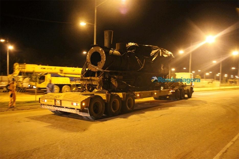 Locomotiva da Madeira Mamoré é levada ao Espaço Alternativo de Porto Velho