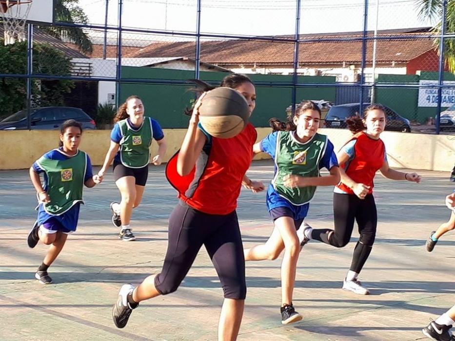 Futsal, festival de basquete, Rua de Lazer e JIR atraem famílias e amantes do esporte na capital