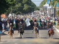 Cavalgada da Expoari arrasta multidão e mostra força do agronegócio
