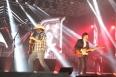 Chitãozinho e Xororó emocionam fãs na terceira noite da Expojipa