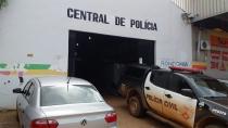 Dupla é presa após furtar desodorantes em supermercado da capital