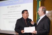 Diretor do Hospital de Câncer faz homenagem a Garçon em Brasília