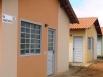 Futuros moradores do Residencial Capelasso em Ji-Paraná assinam contratos
