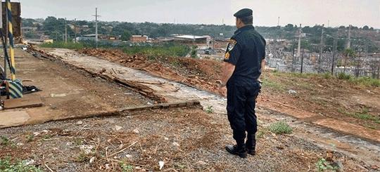 Temporal derruba muro do Colégio Tiradentes, antiga Escola Manaus