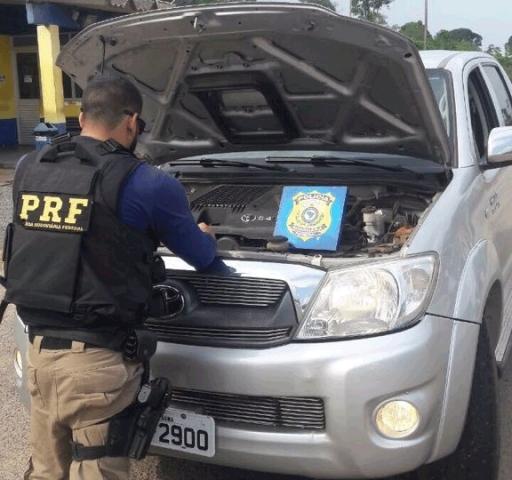 PRF prende integrante de quadrilha de roubo de veículos; homem estava com menor de 17 anos