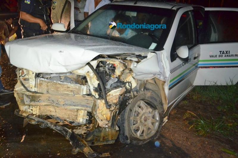 Um pessoa morre e oito ficam feridas em colisão frontal envolvendo táxi na RO-464