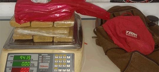 Traficante do Mato Grosso e comparsa são presos pelo Denarc com quase 10 quilos de maconha