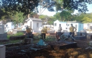 Prefeitura de Ji-Paraná limpa cemitérios para o dia de finados