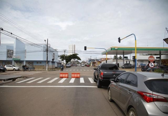 Mudança no sentido do fluxo da Rua Duque de Caxias começa a partir de segunda-feira