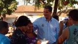 Silveira leva dezenas de pessoas em caminhada na Jatuarana