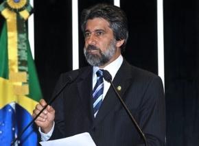 Raupp  pede voto de aplauso a Marinha do Brasil por ações em RO