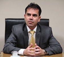 Constituição agredida, por Andrey Cavalcante