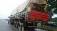 PRF detém motorista por transporte ilegal de 30m³ de madeira