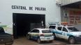 Irmãos são detidos por tráfico próximo à escola pública na Zona Leste da capital