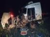 Colisão entre carretas mata um na BR-364