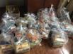 Banda do Vai Quem Quer entrega cestas básicas a entidades carentes